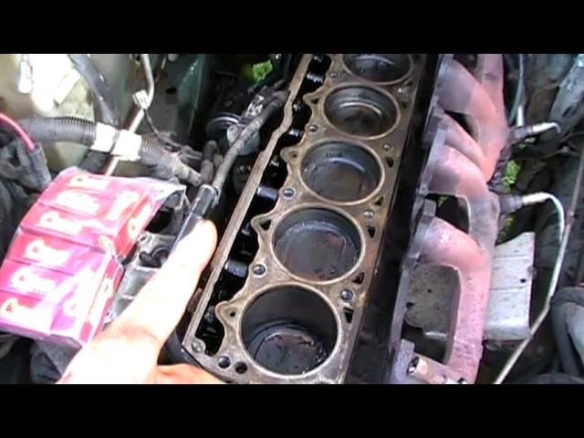 How to change Jeep 4.0 Cylinder Head - YouTube
