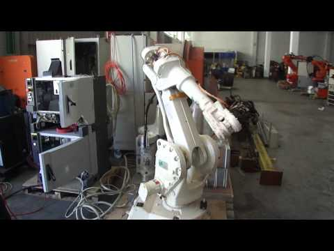 ABB IRB2400 M2004 industrial robot – 6 joints