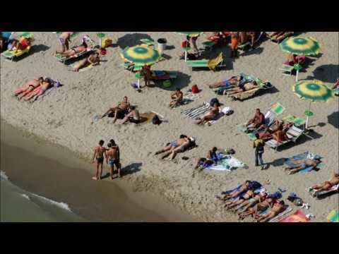 Naturismo e Nudismo in Spiaggia in Italia - Turismo in Crescita