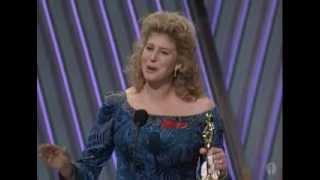 Thelma & Louise Wins Original Screenplay: 1992 Oscars