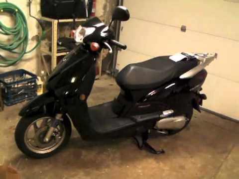 Honda Elite 110 - 600 Mile Service & Valve Adjustment Part 1