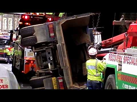 Penarth News: Rail Bridge Crash 15/8/2011