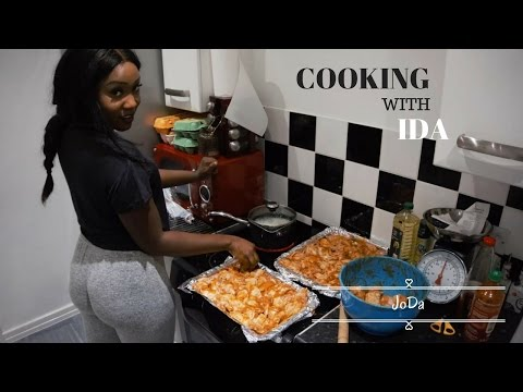 BOOTY AND CHICKEN WINGS || COOKING WITH IDA thumbnail