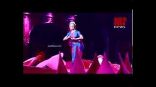 Manju warrier Performing kuchippudi on Ravi Pillai