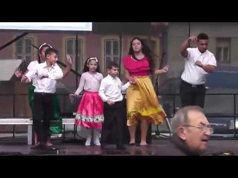 Romani Jag Nemzetiségi Tánccsoport fellépése az esztergomi Borhíd Fesztiválon (2019.10.05)