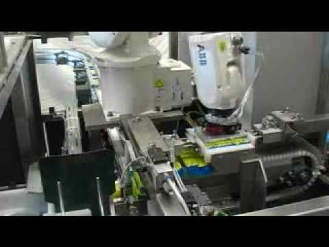 ABB Robotics - Picking and Packing stock cubes