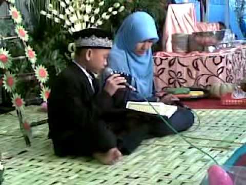 Maria Ulfa Rohmati & Ahmad Saifuddin Halim - Ayat Kursi.mp4 video