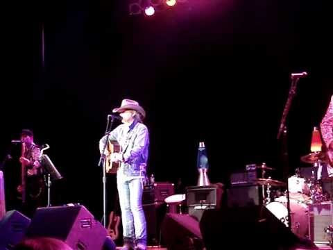 Dwight Yoakam-Little Sister  Robinsonville MS Bluesville 11/30/12