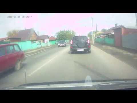 Баба за рулём — авария.