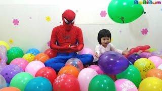 Bơm và Nổ Bóng Bay Lấy Đồ Chơi Bất Ngờ với Người Nhện, Balloons Popping Surprise Toys For Kids