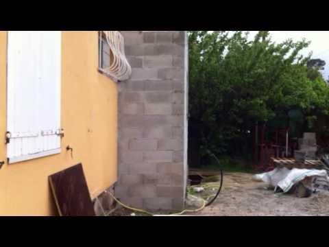 Comment sortir d 39 une maison sans porte youtube for Portent une maison lacustre