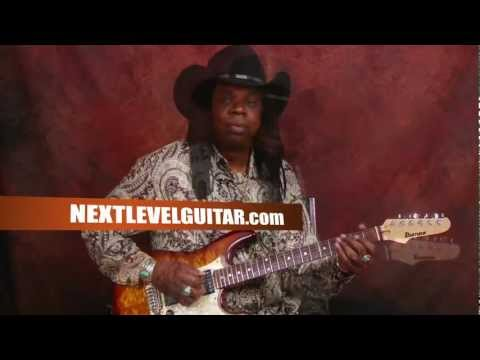 0 Rock guitar lesson Larry Mitchell teaches warm up arpeggio exercises and connecting scale licks