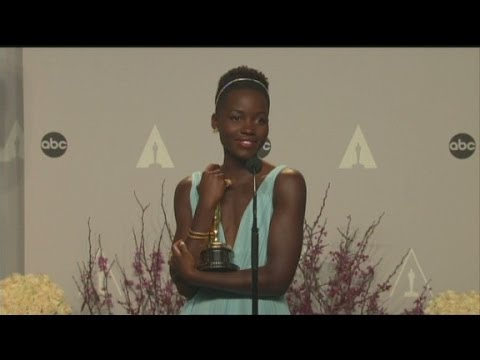 Raw Video: Lupita Nyong'o backstage at  2014 Oscars