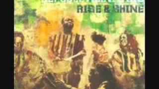 Sierra Leone's Refugee All Stars Video - Sierra Leone Refugee All Stars - Bend down the corner