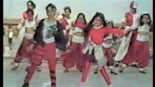 Download Yeh Kaali Kaali ankhen- Bollywood Dance by Kids 6-12, Mumbai, 1994 3Gp Mp4