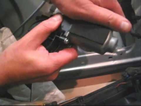 Renault Megane 2 / Scenic 2 - Removing the door card to fix Renault window regulator