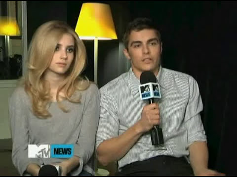 Dave Franco & Emma Roberts- Do 'Go Outside' Supervideo /Feb 2011