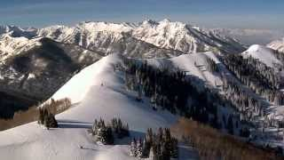 Winter Scenes - Stroll Through Christmas - Beautiful Snow and Christmas Songs