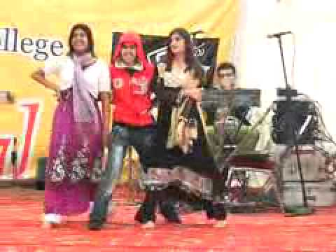 Punjab College Lahore Girl Dance Sexy Hd 2013 Latest Video video