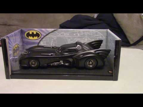 Hot Wheels 1989 Batmobile 1:18 Diecast Review