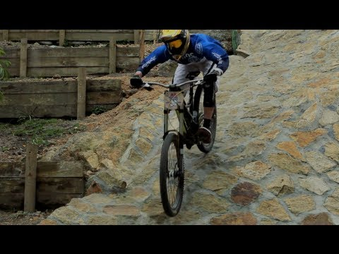 downhill-mtb-on-monserrate-colombia-red-bull-monserrate-devotees-2012.html