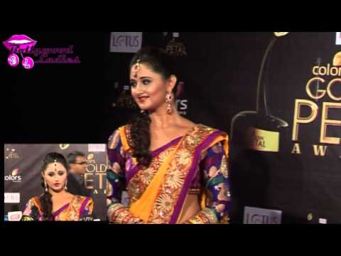 'uttaran' Actress Rashmi Desai In Saree At Golden Petal Awards video
