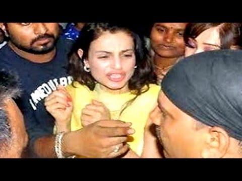 Bollywood actress MOLESTED in PUBLIC  | UNCUT VIDEOS | Survi Chatterjee, Ameesha Patel & MORE! thumbnail