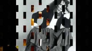 Watch Waylon Jennings The Crowd video