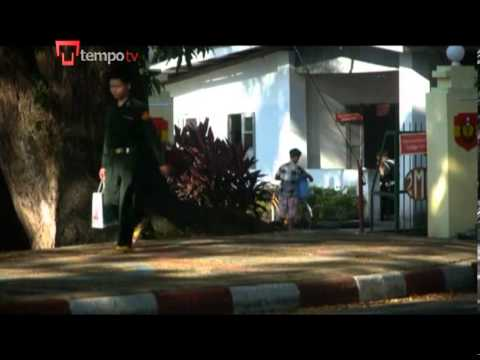 Burmese Young women army position hit the street of Yangon