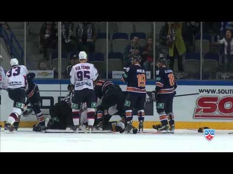 Массовая драка в матче Амур - Торпедо / Two huge brawls at the end of Amur - Torpedo game