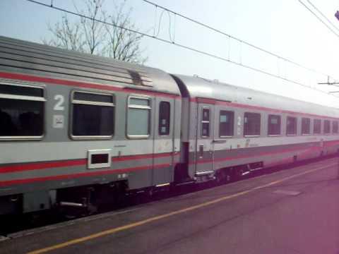Eurostar City 9807 Torino - Lecce in transito a 185km/h a Fiorenzuola