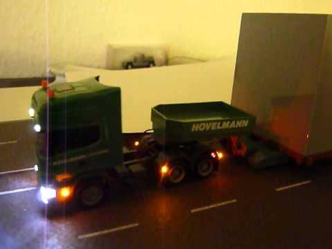 Scania Hövelmann mit VW BF3 1:87 mit Beleuchtung