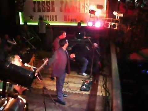 LA NUEVA LUNA, ULTIMO RECITAL EN JESSE JAMES.wmv