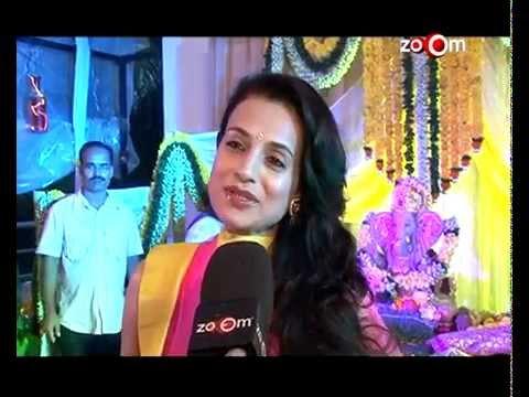 Bollywood Celebs at Ganapati Visarjan - Hrithik Roshan Ameesha...
