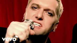 Watch Chumbawamba Tubthumping video