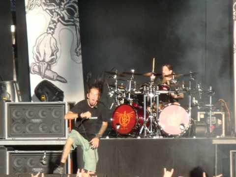 Randy Blythe Stuck in Prauge? -- New MASTERPLAN -- New FINNTROLL -- DevilDriver, Gwar Tour!