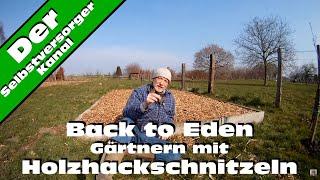 Gärtnern mit Holzhackschnitzeln Beet anlegen