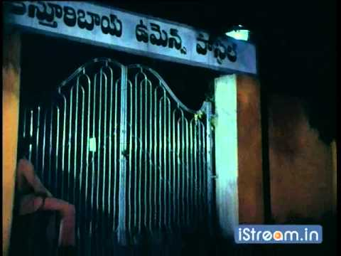 Aththaku Yamudu Ammayiki Mogudu: A drunken Chiru threatens Vijayashanthi...