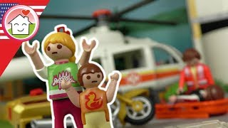 Playmobil english - The Rear-End Collision - The Hauser Family - Chief Overbeck