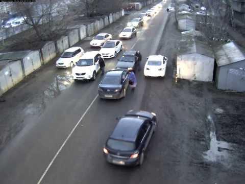Авария на пересечении Стахановской и 2-й линии Нефтяников