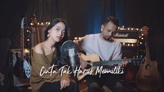 CINTA TAK HARUS MEMILIKI - ST12 ( Ipank Yuniar ft. Anggita Noni Akustik Cover )