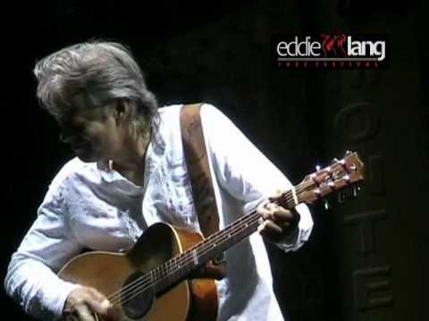 Tommy Emmanuel @ Eddie Lang Jazz Festival 2006 -