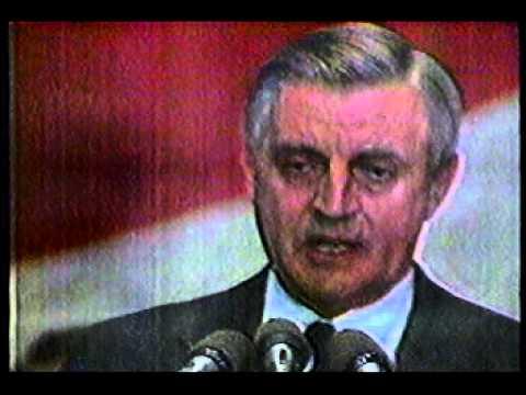 Walter Mondale Concedes to Reagan  1984