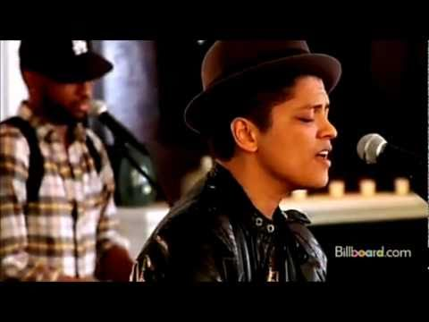 Bruno Mars - Grenade [ Official Music Video ] [ Vevo ] [ Jayangelrecords ] video