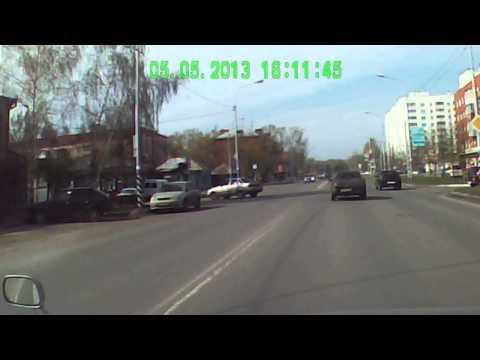 Авария Омск Орджоникидзе 06.05.13