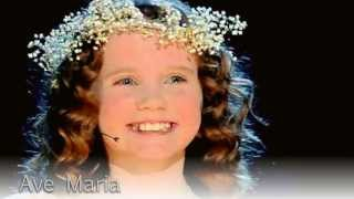 Amazing Amira Willighagen (9) sings  Ave Maria in the semi finals of Holland