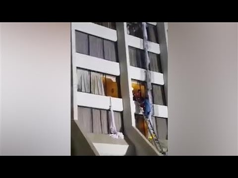 People Fleeing Pakistan Hotel Fire Filmed by Cricketer