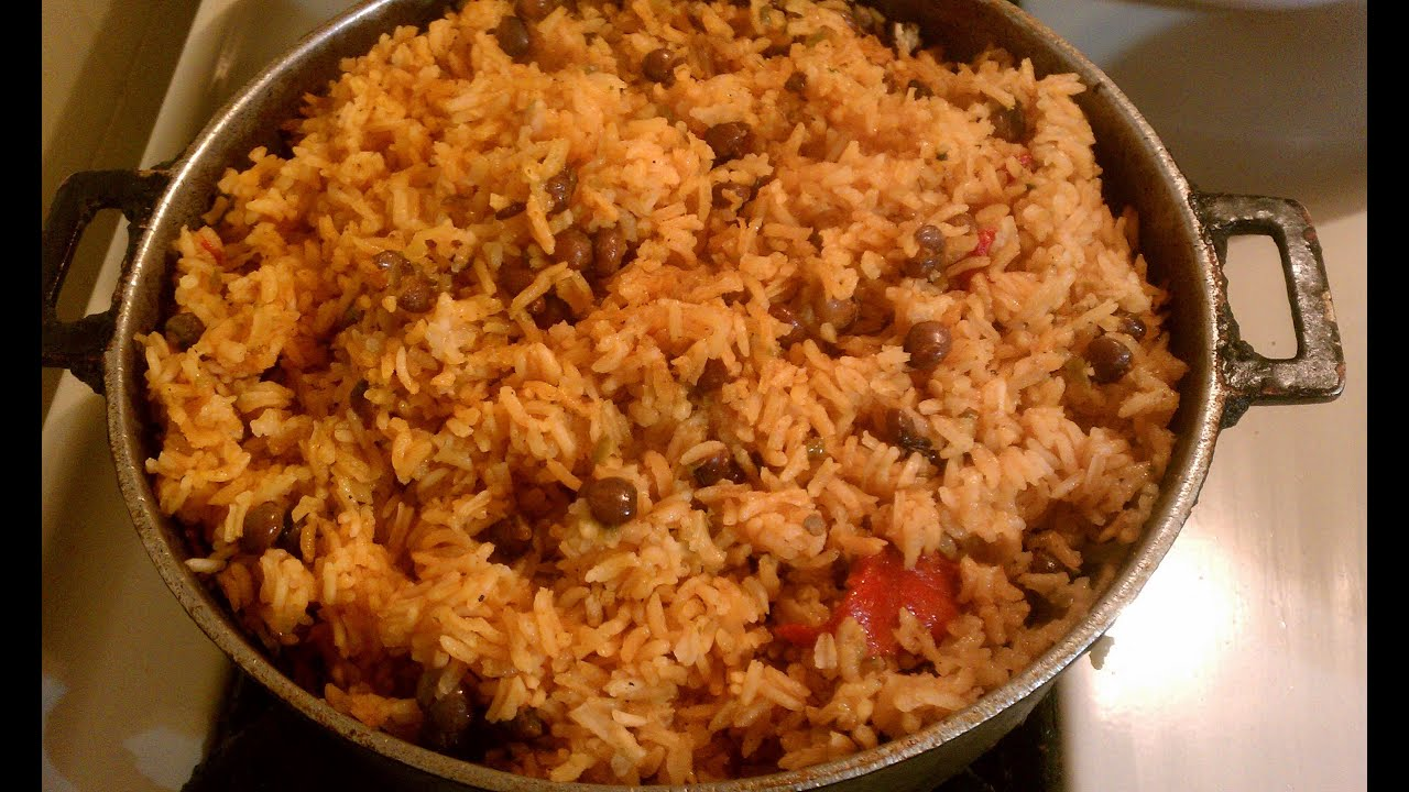 Arroz Con Gandules ~ Yellow Rice with Pigeon Peas - YouTube