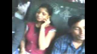Sweet Bangladeshi Girl with her Lover in Train......!!!!