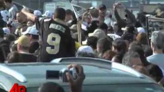 Fans Welcome Saints Back to Big Easy